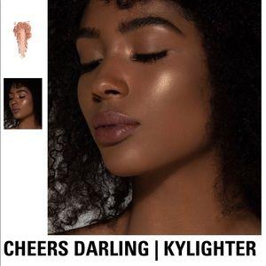 CHEERS DARLING | KYLIGHTER